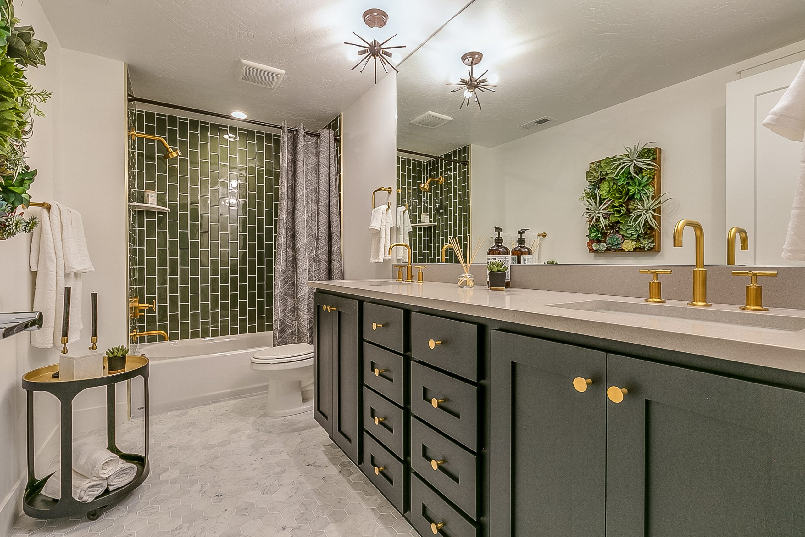 an example of cabinet refacing in Pittsburgh