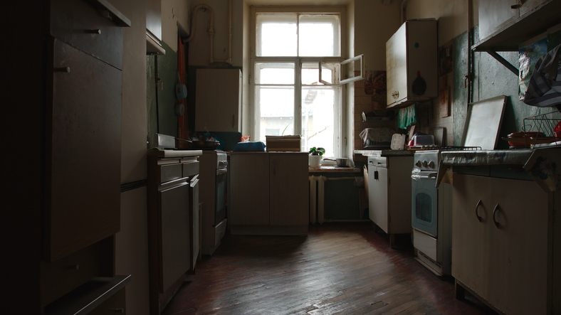 kitchen in need of tlc in the way of a cabinet refacing