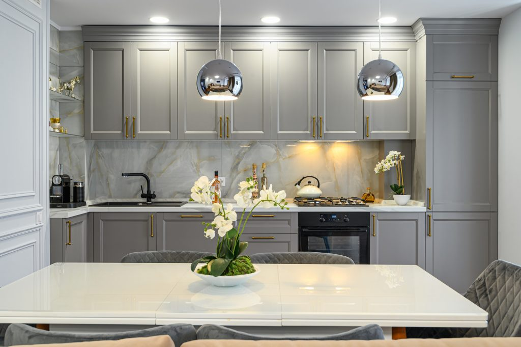 cabinets that were freshly refaced in a pittsburgh kitchen